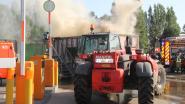 Container met brandbaar afval vat vuur  door zelfontbranding