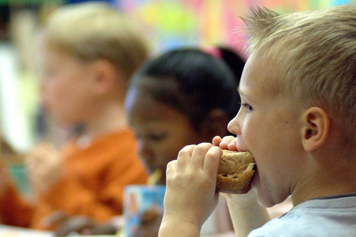 Het is voor basisscholieren van groot belang dat ze 's morgens met een gevulde maag naar school komen.