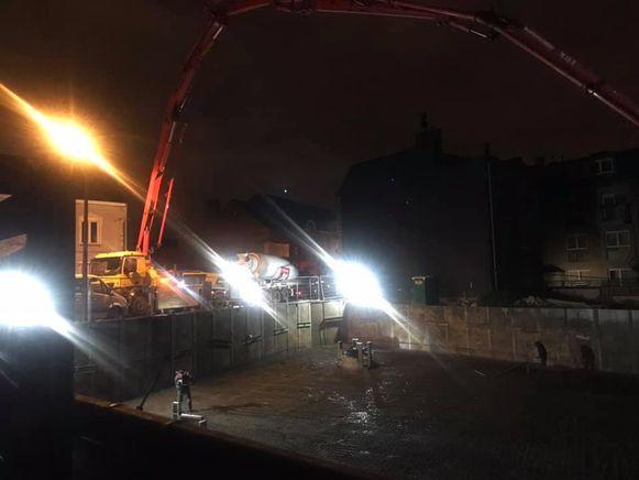 Om 3.30 uur begon een aannemer beton te storten op een werf in de Constant Hansoulstraat in Machelen. Hij maakte daarmee zowat heel de buurt wakker.
