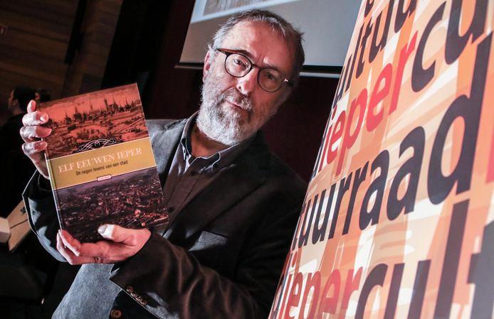 Lieven Stubbe met zijn nieuw boek