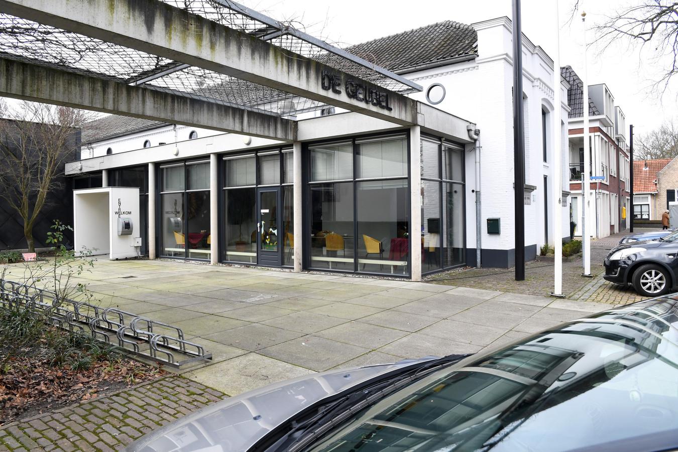 Dorpshuis De Geubel in 's Gravenmoer is overgaan naar een lokale stichting die het beheer en de explotiatie gaat regelen.