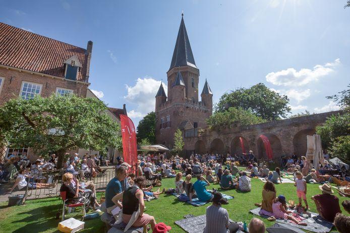 In 2019 was de laatste editie van het Cellofestival Zutphen. In de gehele oude binnenstad kunnen mensen luisteren naar cellomuziek.
