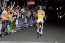 Alberto Contador wint de Draai van de Kaai in 2007 op een volgeladen Kade in Roosendaal.  Dit jaar wordt er niet gekoerst op de Kade.