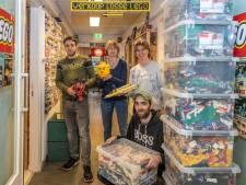 Bloksjop in Goes stuurt pakketten vol Lego heel de wereld over