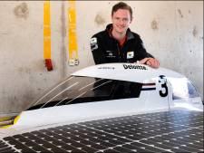 Zelfgebouwde zonneauto van WK-deelnemer Tom Salden uit Nieuwveen vandaag onthuld