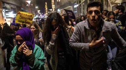 Turkse politie gebruikt traangas tijdens betoging tegen vrouwengeweld
