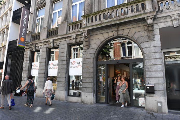 Het pand waar Kookhuys Mafrans vele jaren was gevestigd, krijgt een nieuwe invulling en het is geen kleine naam in de shoppingwereld.