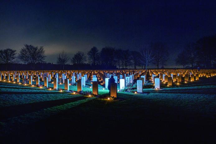 Een zee van licht, 48 uur lang, op de Canadese begraafplaats in Groesbeek.