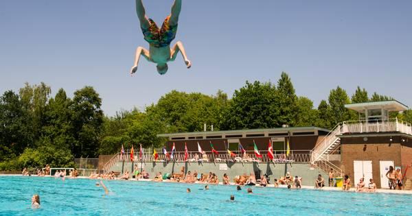 Sportfondsen groot zwembad in noord kleintje in west for Zwembad s hertogenbosch