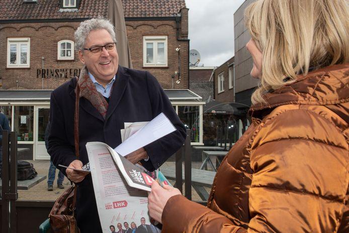 Tweede Kamerlid Henk Krol (Lijst Henk Krol) is geen fan van gedwongen herindelingen, bleek zaterdag tijdens zijn bezoek in Scherpenzeel.