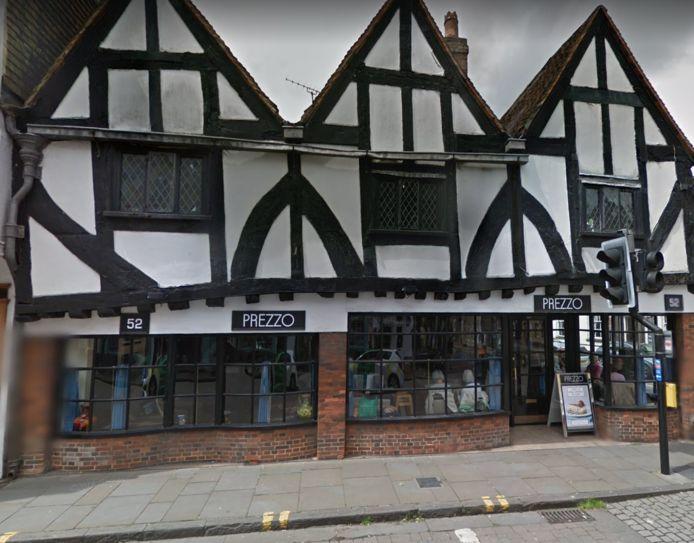 Het restaurant Prezzo in Salisbury waar twee mensen zondagavond onwel zijn geworden.