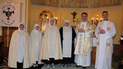 Zuster Marie-Madeleine legt voorlopige geloften af