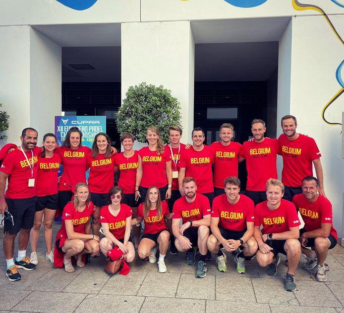 De volledige Belgische delegatie op het EK padel in Marbella.