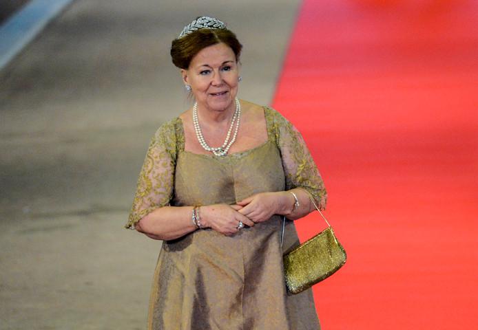 Prinses Christina arriveert voor een koninklijk diner.
