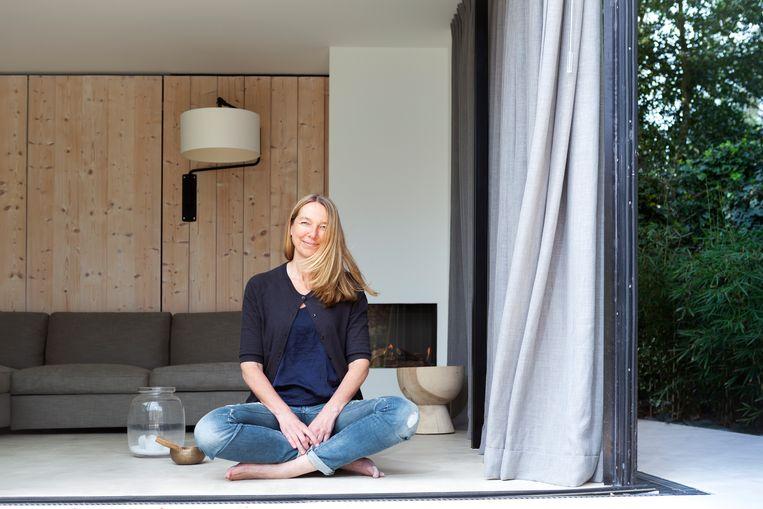 Ook Hélène van Engelen organiseert maandelijkse stilte-uren aan huis. Beeld Martijn Gijsbertsen