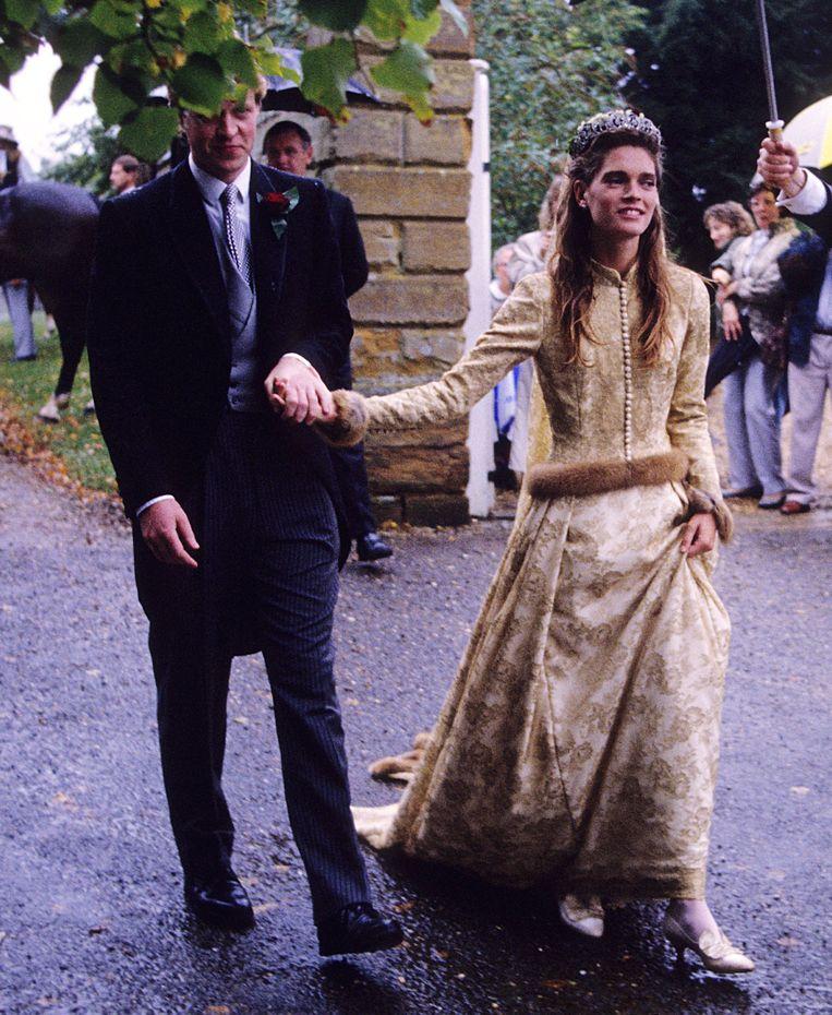 Graaf Charles en lady Victoria bij hun huwelijksceremonie in 1989. Beeld Getty Images