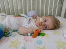Baby Jayme (1) weer thuis na behandeling in Hongarije: 'Wat een prachtige thuiskomst was dit!'