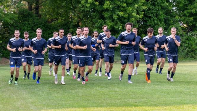 """Steven Blomme aangenaam verrast tijdens eerste trainingen FC Wetteren: """"Conditioneel staat de groep verder dan juni vorig jaar"""""""