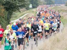 Kustmarathon 2021 wordt als vanouds: dikke rijen toeschouwers en na afloop het terras op