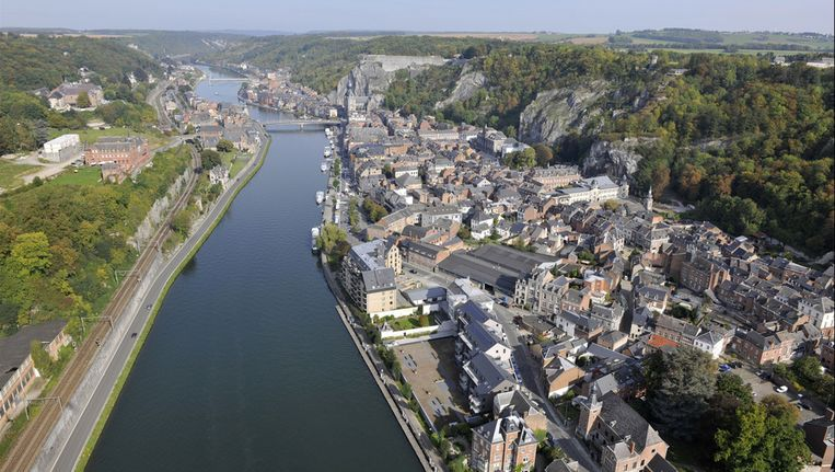 De Maas in Dinant (provincie Namen). Beeld photo news