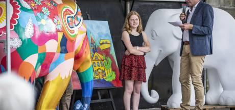 De eerste olifant is gespot in Ootmarsum en 12-jarige Kim uit Denekamp maakte het ontwerp: 'Kleurrijk en fantasievol'