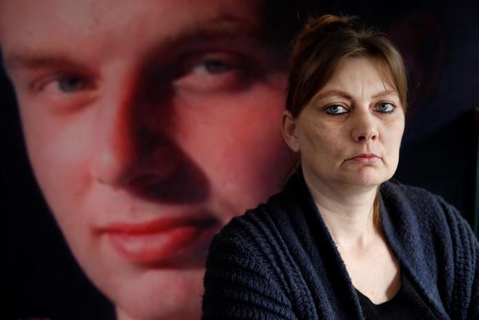 Marijke Harkema vecht al jaren voor een nieuw onderzoek naar de dood van haar zoon.