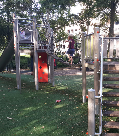 Politie schroeft handhaving op bij speeltuin na klachten over blowende jeugd