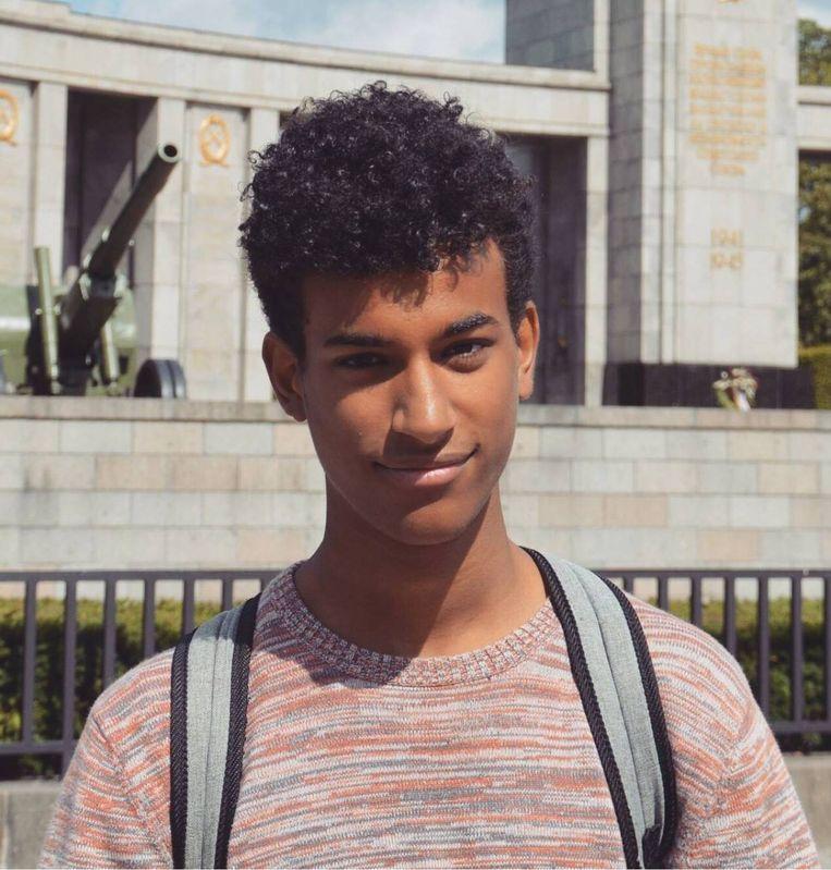 'Is Sanda Dia extra hard aangepakt vanwege zijn huidskleur? Dat gaan we pas op het proces te weten komen, want er zitten nog grote gaten in het dossier.' Beeld