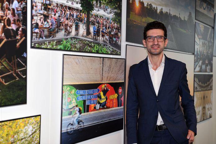 Mohamed Ridouani, burgemeester van Leuven, is voorstander van een verbod op niet-essentiële reizen.