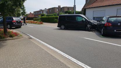 Ongeval met drie auto's op Brugsebaan