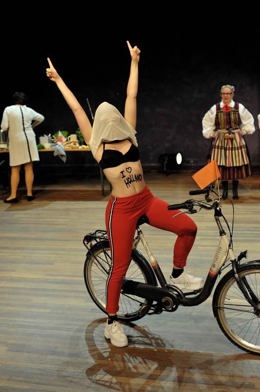 Dichtbij Matki op Festival Op De Grens in Roosendaal