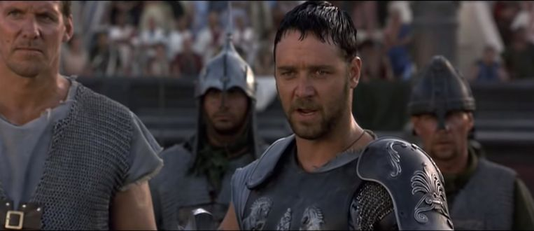 Russel Crowe als gladiator. Beeld Screenshot YouTube