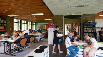 Basisschool 't Kasteeltje sloopt muren en gaat voor nieuwe werking