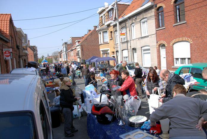 Een sfeerbeeld van een eerdere editie van de Krottegemse Rommelmarkt.