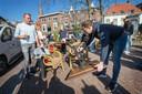 Het terras van Boerke Verschuren op de ginnekenmarkt werd na een halfuur weer afgebroken. Verslaggever Jacques Hendriks was ter plaatse die dag.
