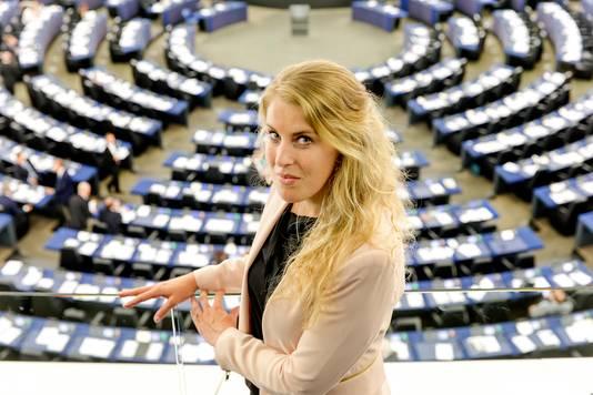 Vicky Maeijer van de PVV in de plenaire zaal van het Europees Parlement.
