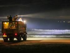 KNRM en helikopter zoeken naar 'vermiste' jongen die kleren achter liet op strand, maar hij was al thuis