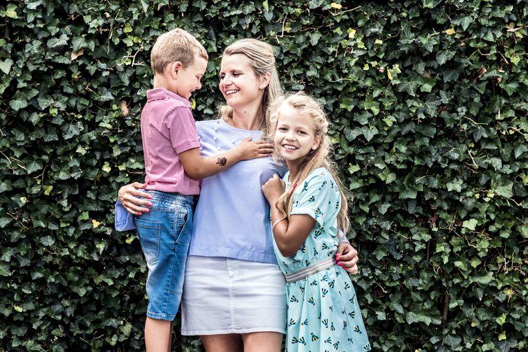 Line en haar kinderen. Beeld Tine Schoemaker