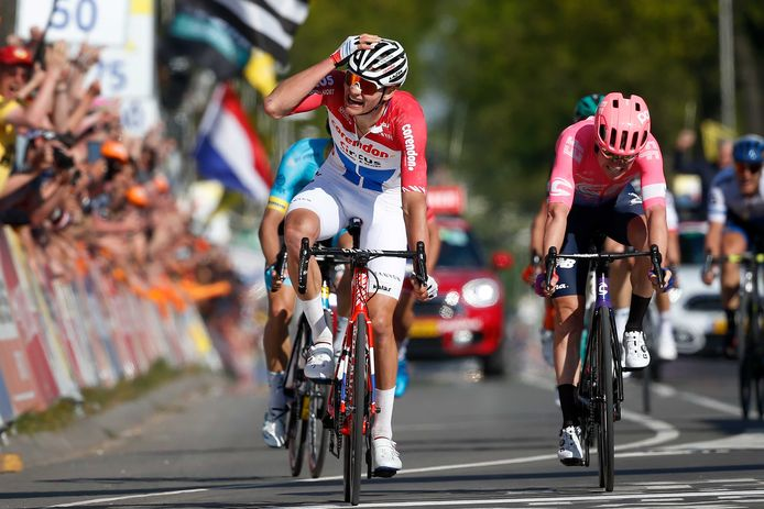 Ruim 6.700 HLN-lezers verkiezen de raid van MVDP in de Amstel Gold Race nog altijd boven zijn krachtsontplooiingen in de Strade Bianche.