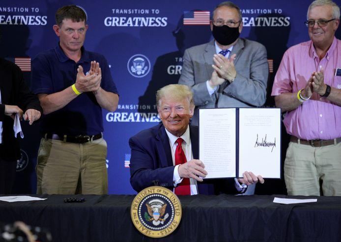 De Amerikaanse president Donald Trump tijdens een werkbezoek aan de Amerikaanse staat Maine.