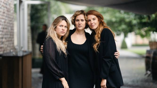 """Hartsvriendinnen na het pakkende afscheid van Lara: """"Nu valt het op ons hoofd. Dat ze er niet meer is"""""""