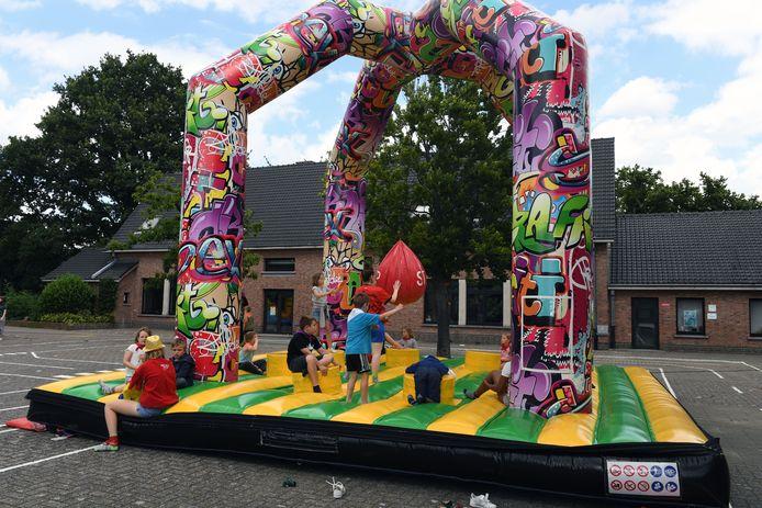 Speelpleinwerking Haacht wint springkastelendag van 3000 euro.