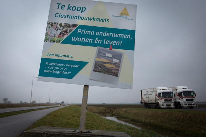 Werving voor Agropark langs de weg in 2014.