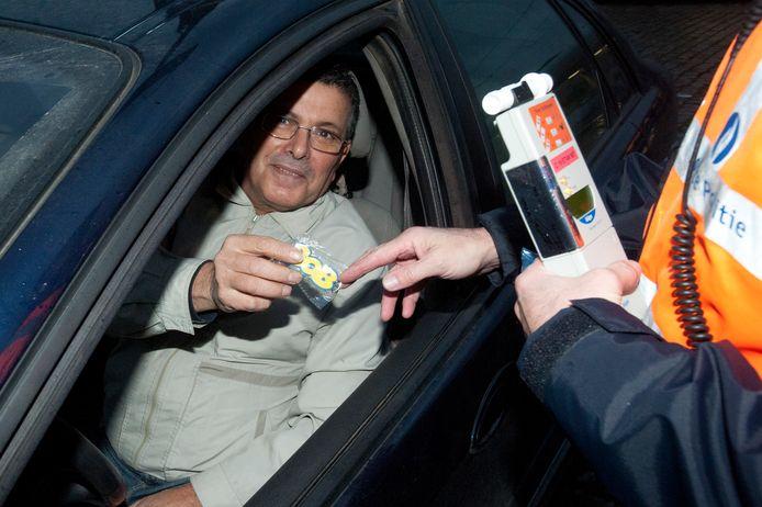 bob campagne alcoholcontrole Brussel: chauffeur krijgt sleutelhanger als hij save heeft geblazen