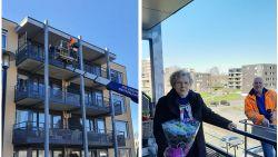 """Nederlander verrast moeder (85) in woonzorgcentrum met hoogtewerker: """"Wilde per se koffiedrinken bij ma"""""""