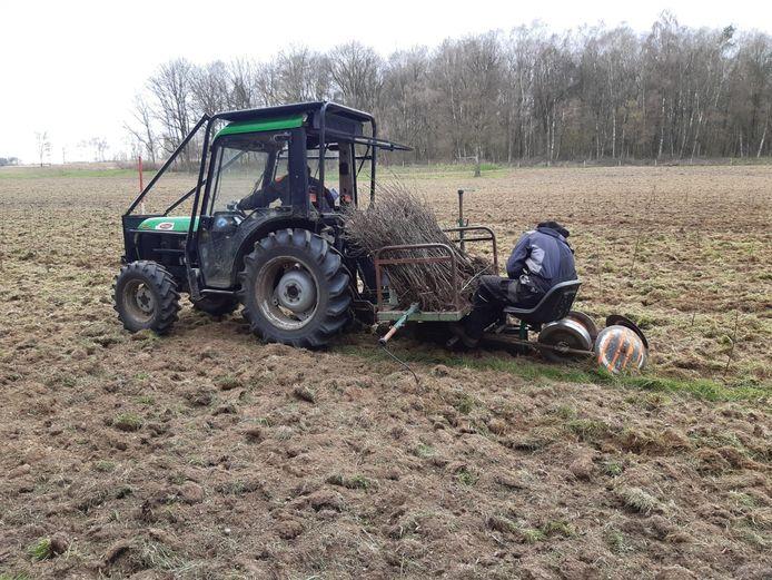 Start van de aanplant van een nieuw bos in Overijssel.