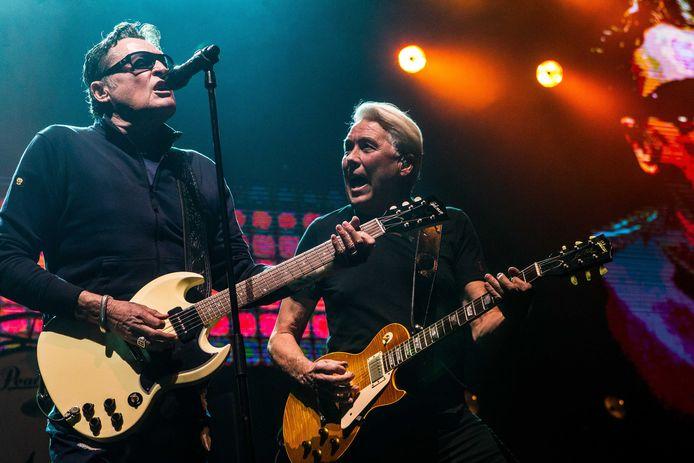 Golden Earring, met zanger Barry Hay en gitarist George Kooymans.