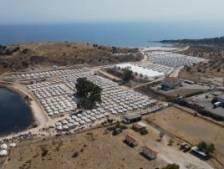 À Lesbos, les rues progressivement vidées de milliers de réfugiés sans abri