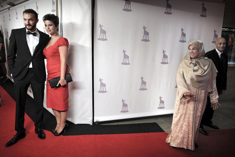Utrecht, 2011.Nasrdin Dchar met partner bij de uitreiking van de Gouden Kalf voor beste acteur.Zijn moeder is zichtbaar trots. Beeld Joost van den Broek