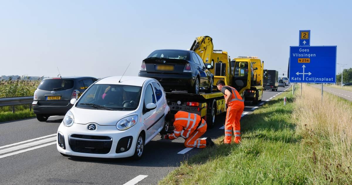 Vier autos betrokken bij ongeluk op de Deltaweg.